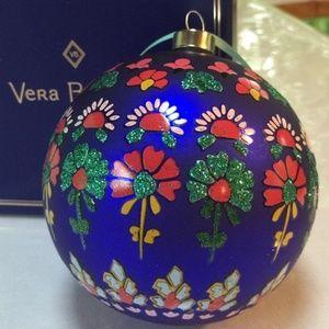 NIB Vera Bradley 2018 Glass Christmas Ornament